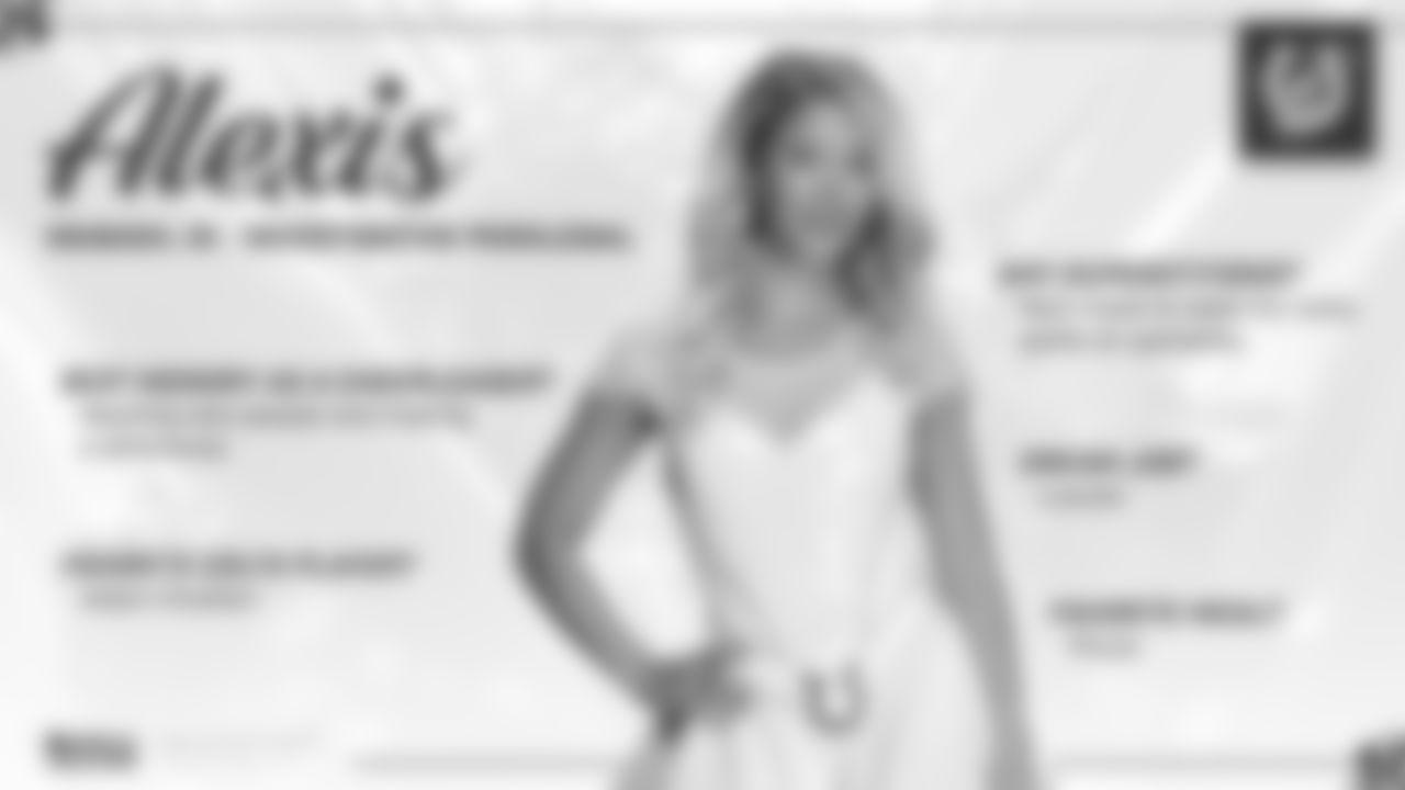 2019_Oct_CheerleaderoftheWeek_Alexis (1)