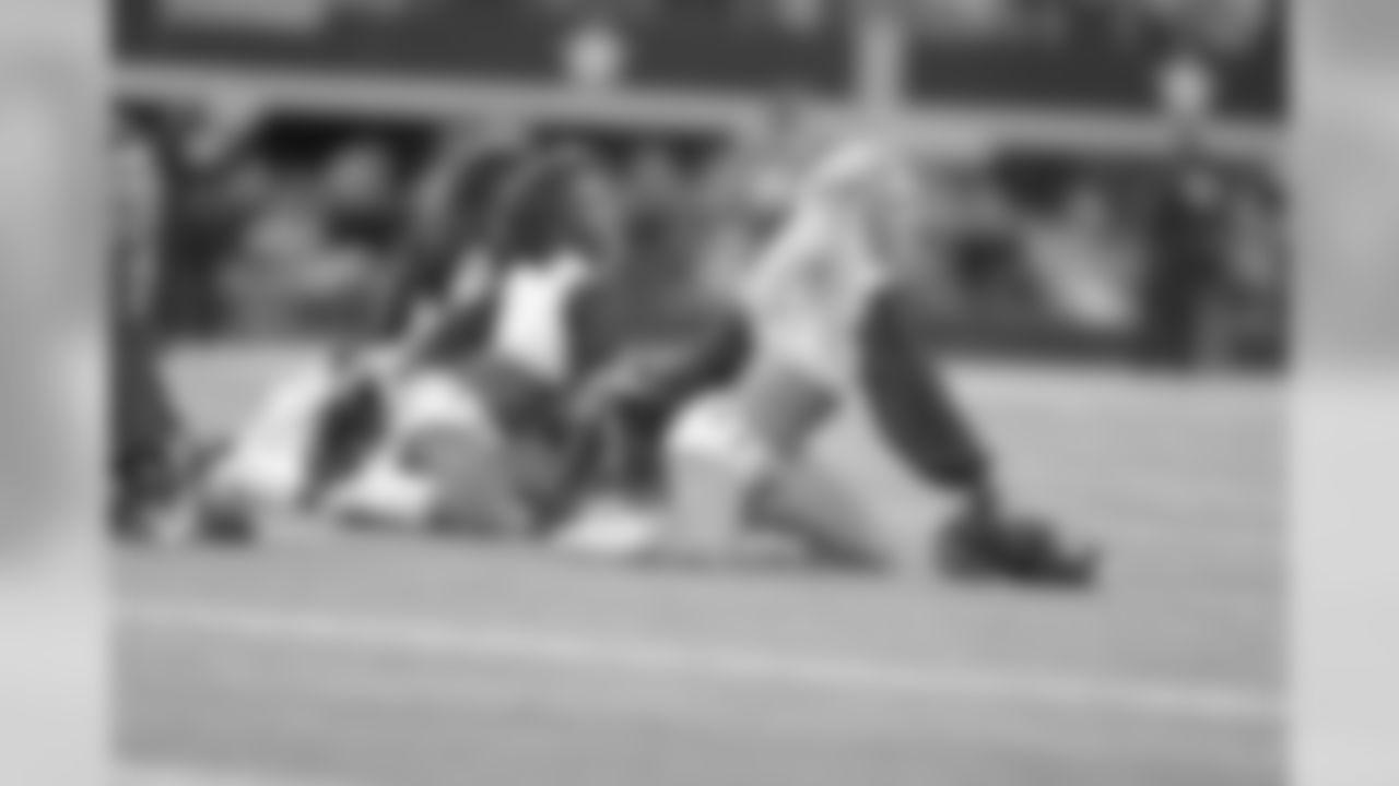 26 November 2015:   Cheerleaders of the Dallas Cowboys during their 33-14 loss to the Carolina Panthers at AT&T Stadium in Arlington, Texas.  Photo by James D. Smith/Dallas Cowboys