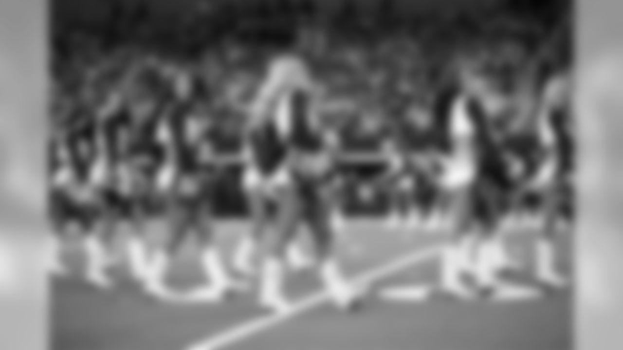 Dallas Cowboys Cheerleaders   Week 10