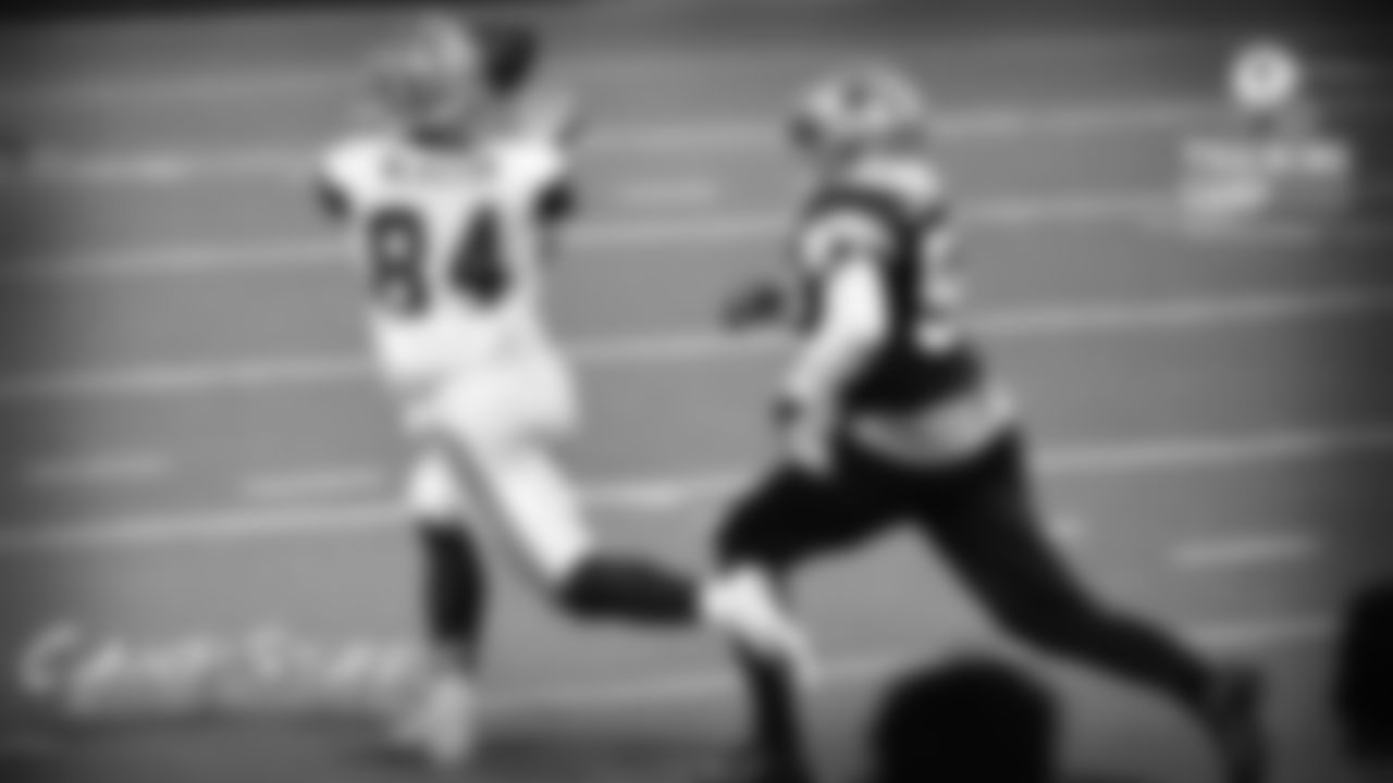 Sean McKeon  Rob Phillips: A couple impressive catches from undrafted rookie tight end Sean McKeon, including a sliding reception for about 40 yards after quarterback Clayton Thorson got flushed from the pocket and took a shot downfield.
