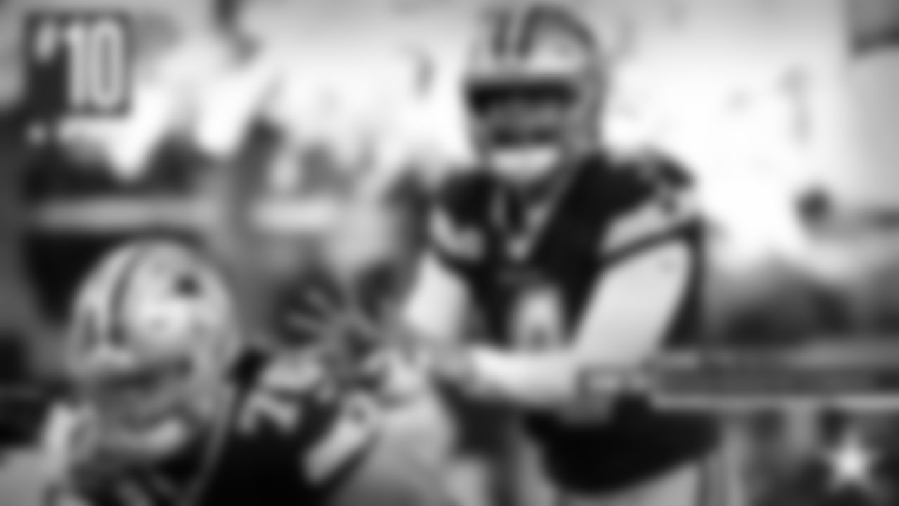 **10\. Dak Prescott:** Sometimes, you've just got to manage things. Prescott wasn't extraordinary, but he didn't need to be. With the running game setting the tone, he found his tight ends and running backs to keep the chains moving. He only found Tavon Austin open for a 59-yard touchdown because he impressively evaded pressure.