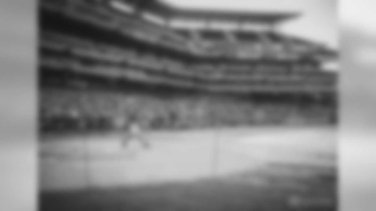 """K Jake Elliott: """"Bryce Harper I challenge you to a home run derby (with softballs and a shorter fence). Welcome to Philly!!"""""""