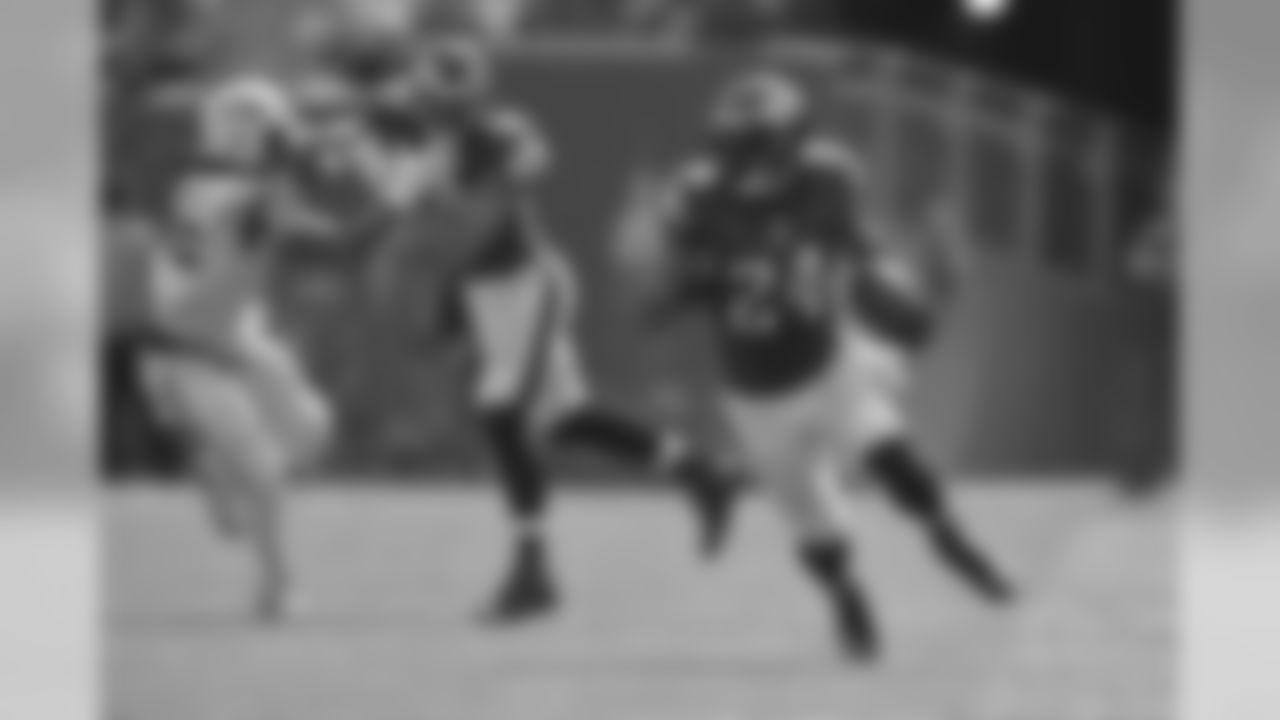 RB Ryan Mathews on the run