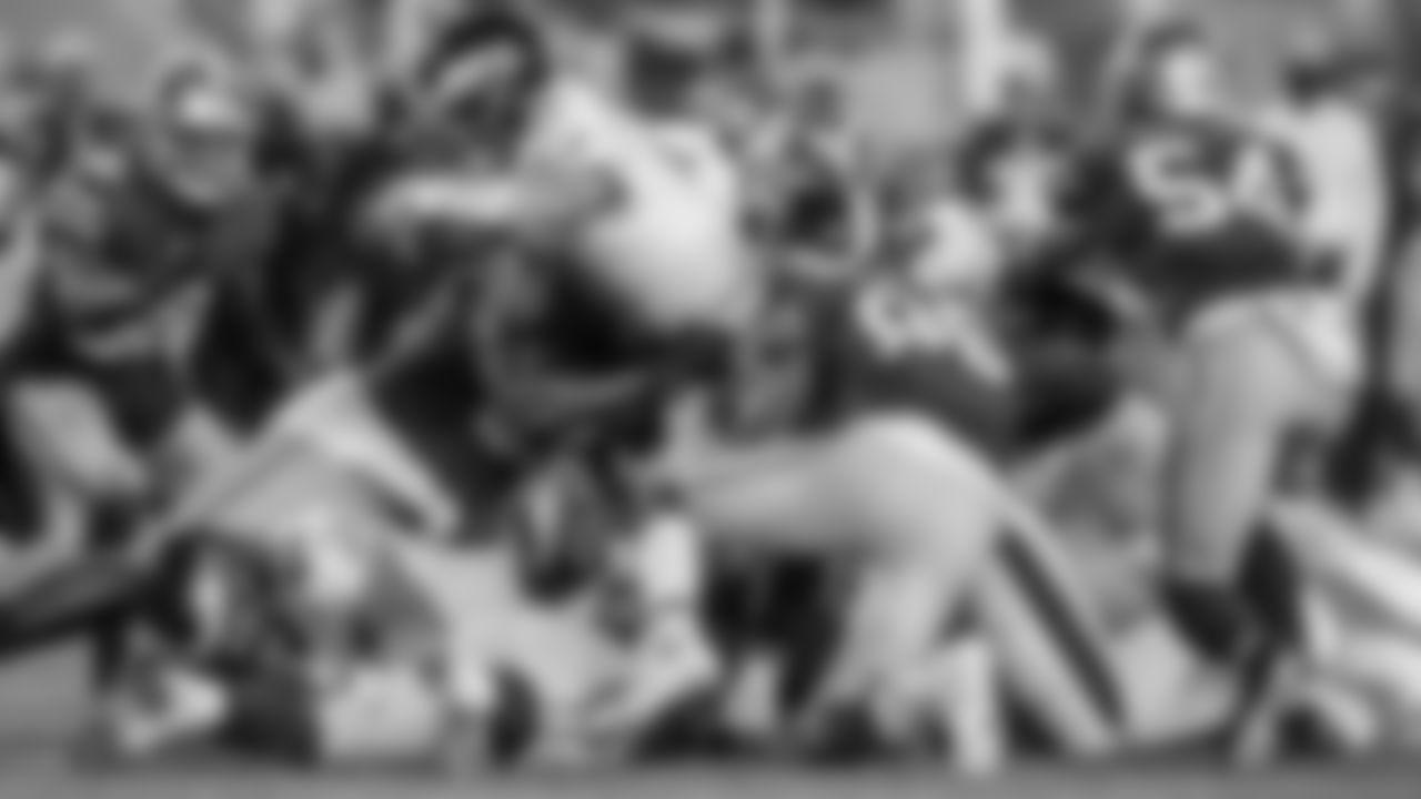 QB Carson Wentz  Philadelphia Eagles vs. San Francisco 49ers at Levi's Stadium on October 4, 2020