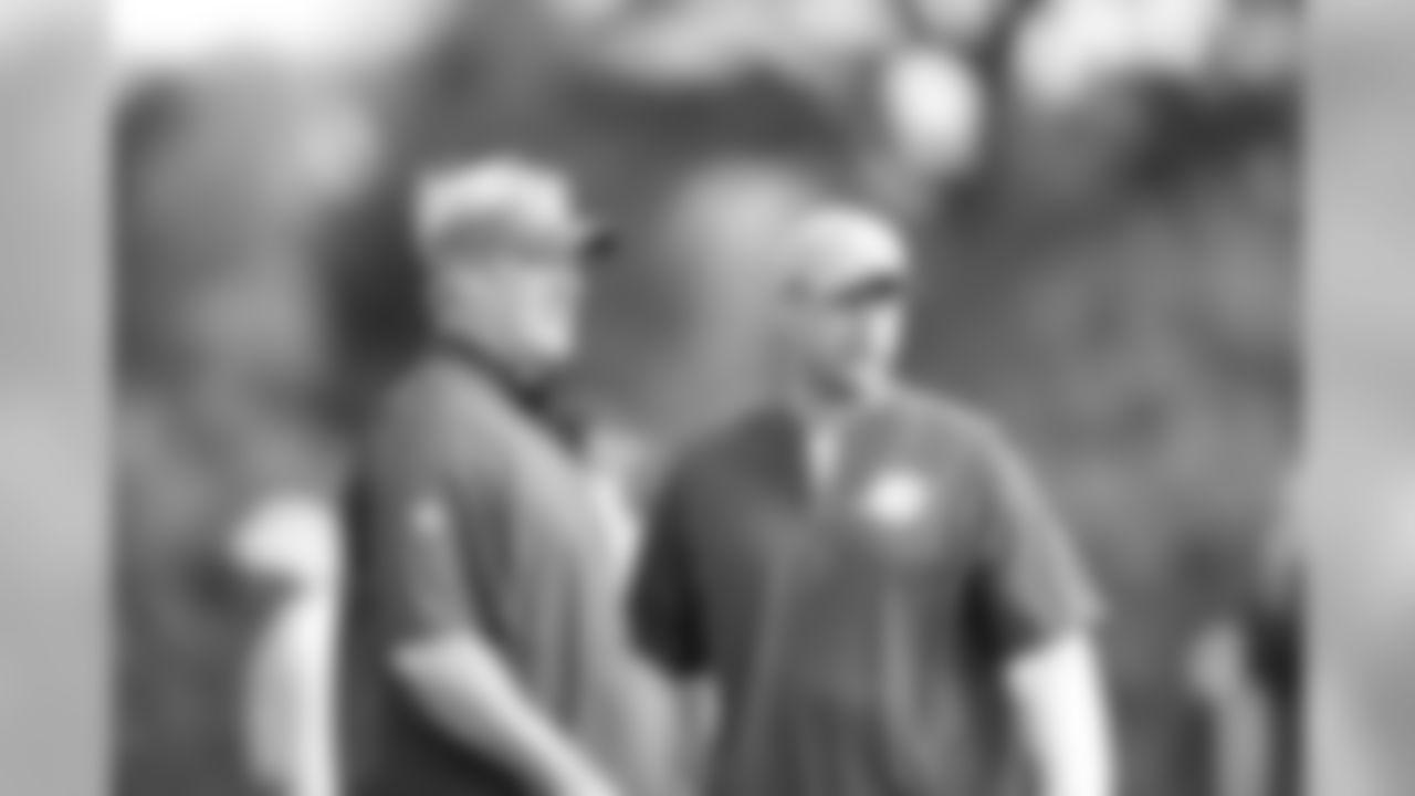 Eagles head coach Doug Pederson and Dolphins head coach Adam Gase