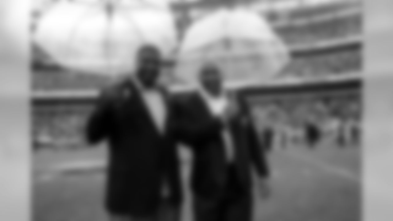 2018 Eagles Hall of Famers Clyde Simmons and Seth Joyner