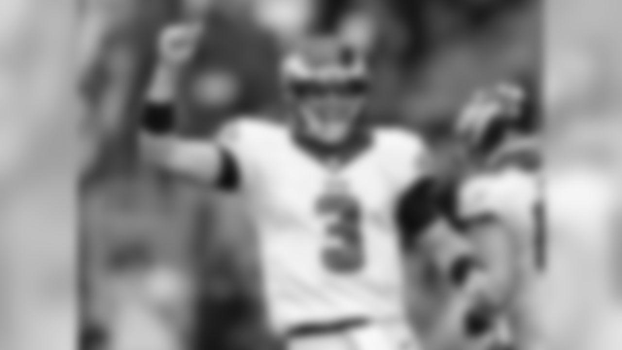 This season, QB Mark Sanchez set an Eagles franchise-season record with a 64.1% completion percentage