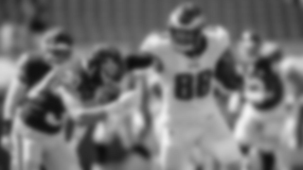 TE Dallas Goedet  Philadelphia Eagles vs. Washington Football Team at FedExField on September 13, 2020