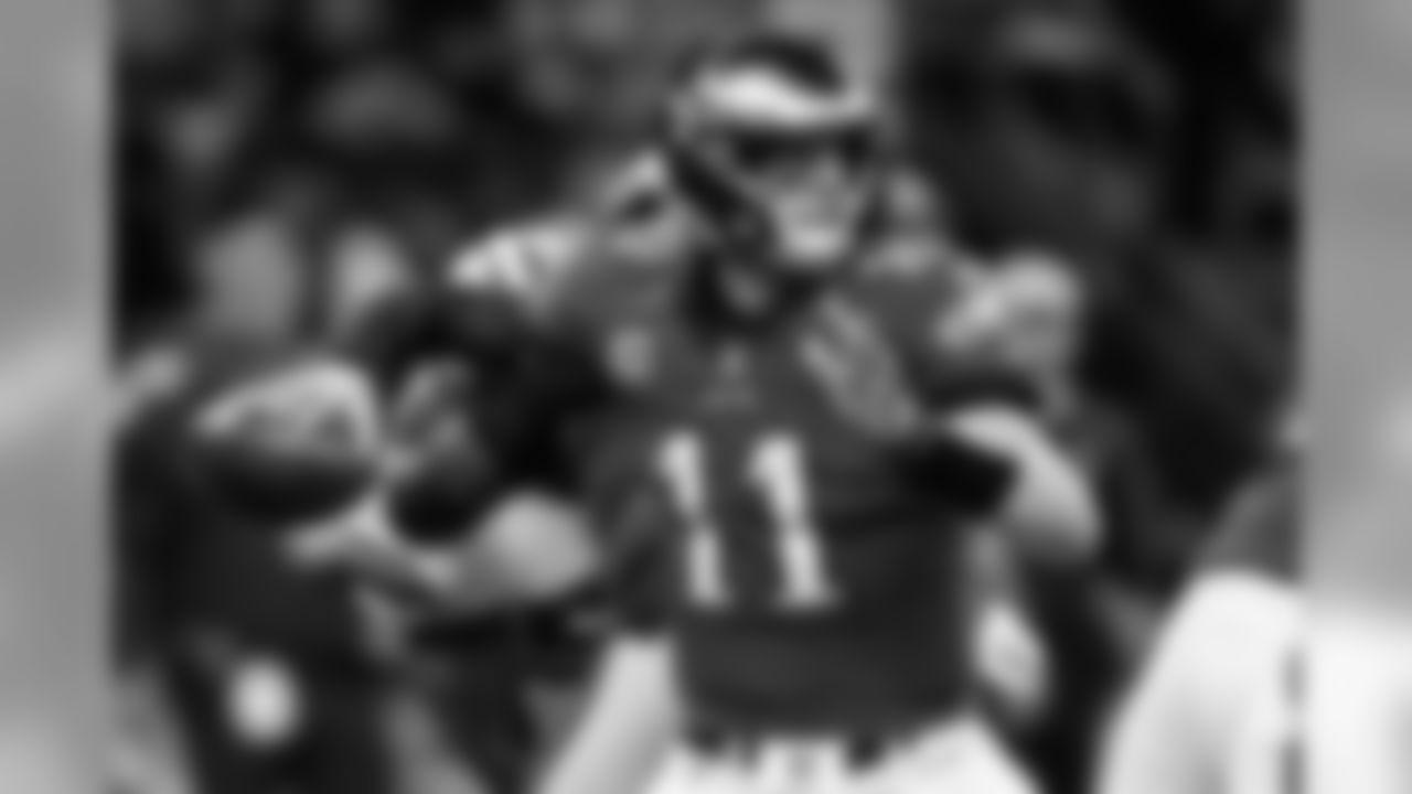 QB Carson Wentz  Philadelphia Eagles vs. New Orleans Saints at the Mercedes-Benz Superdome on November 18, 2018