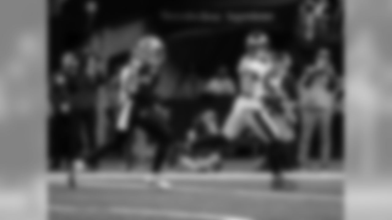 WR Jordan Matthews  Philadelphia Eagles vs. New Orleans Saints at the Mercedes-Benz Superdome on January 13, 2019