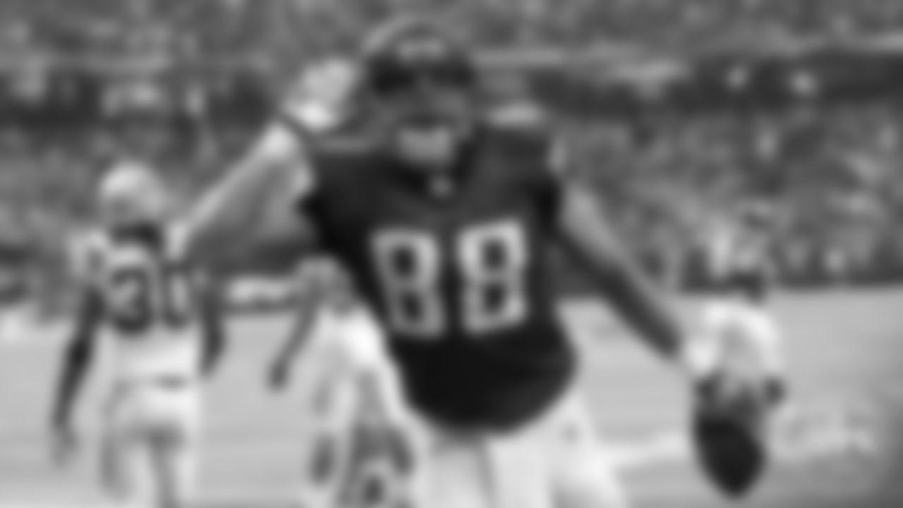 Tony Gonzalez | Atlanta Falcons All-Decade Team Unanimous Selection