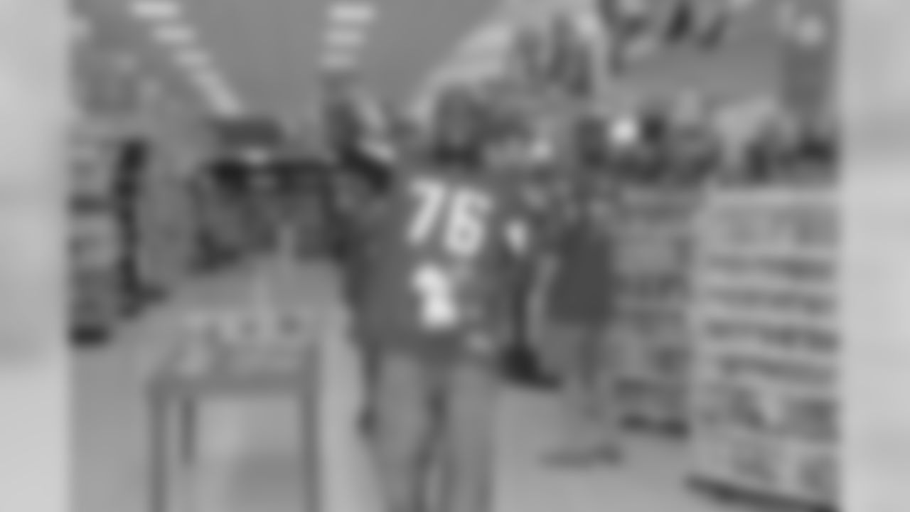 Falcons players helped out employees and customers at Publix in Atlanta as