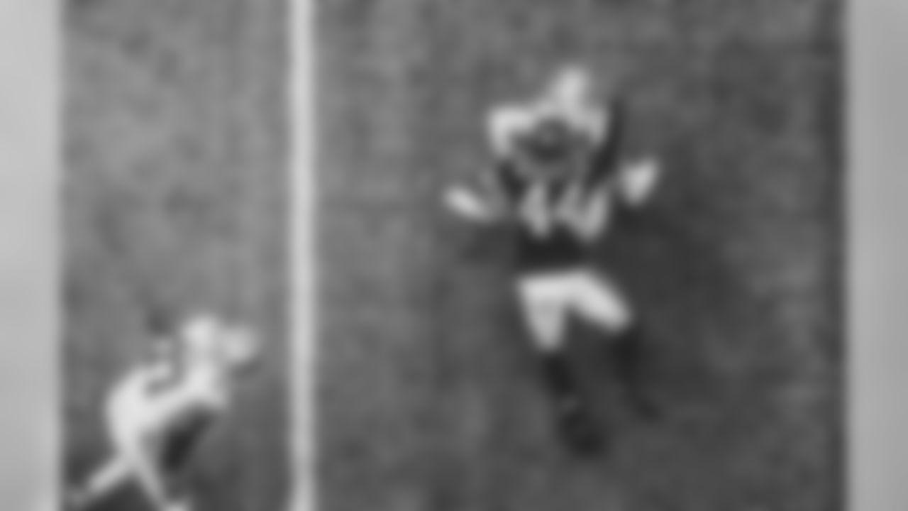 OLB Vic Beasley Jr.  Atlanta Falcons / Kara Durrette