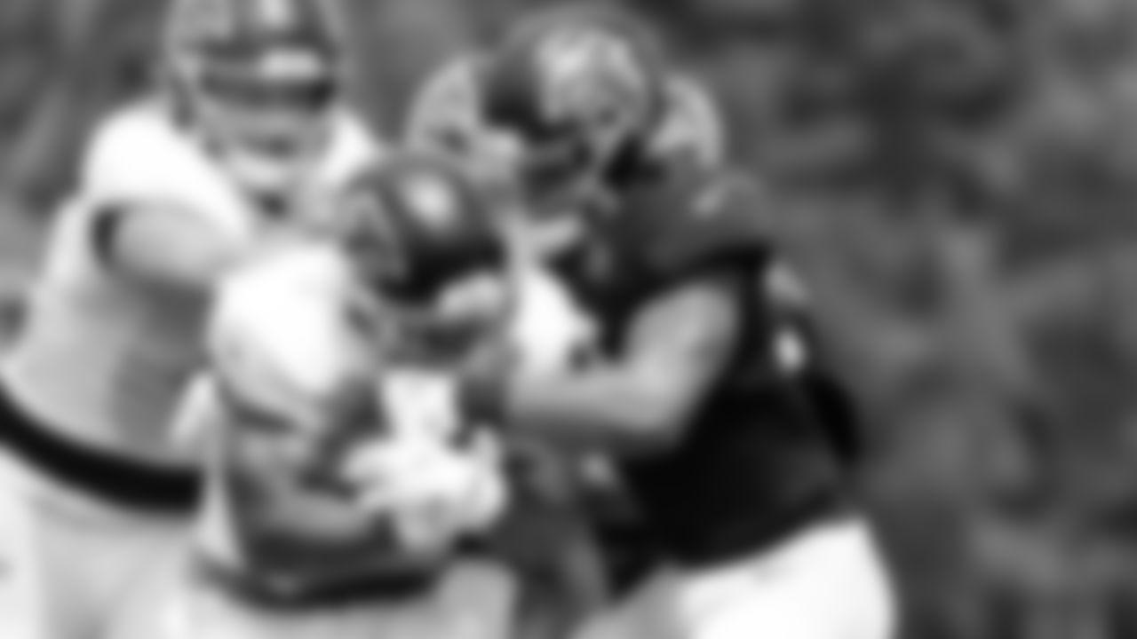 Atlanta Falcons running back Mike Davis #28 runs with the ball during team practice at Atlanta Falcons Headquarters in Flowery Branch, Georgia, on Wednesday September 8, 2021. (Photo by Dakota Williams/Atlanta Falcons)