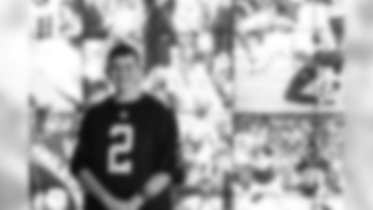 Atlanta Falcons/ Carmen Mandato