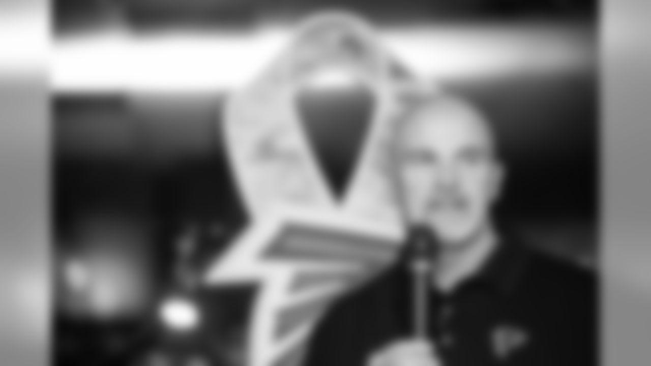 Dan Quinn, Head Coach   Atlanta Falcons/ Carmen Mandato