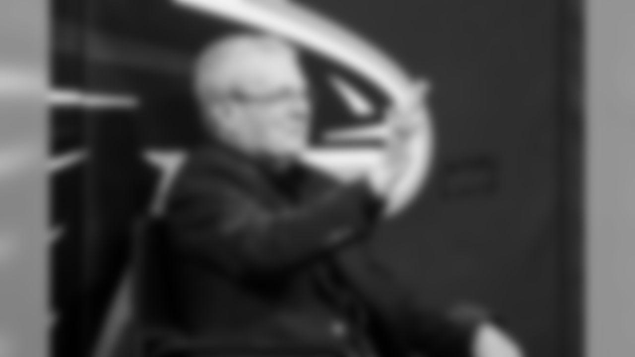 Jimmy Cribb  Atlanta Falcons / Kara Durrette