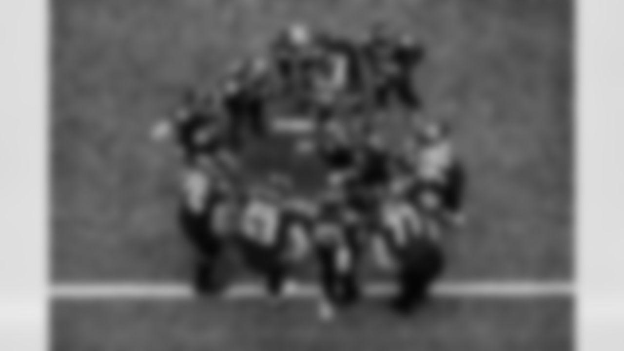 Atlanta Falcons quarterback Matt Ryan #2 calls a play during the game against the Washington Football Team at Mercedes-Benz Stadium in Atlanta, Georgia on Sunday, October 3, 2021. (Photo by Brandon Magnus/Atlanta Falcons)