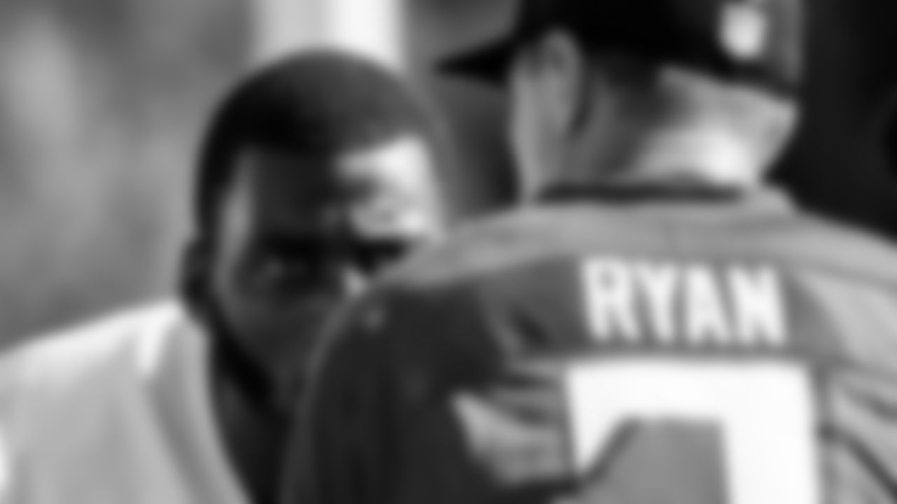 Atlanta Falcons tight end Kyle Pitts #8 listens to quarterback Matt Ryan #2 during AT&T Atlanta Falcons Training Camp at Atlanta Falcons Headquarters in Flowery Branch, Georgia, on Sunday August 1, 2021. (Photo by Kara Durrette/Atlanta Falcons)