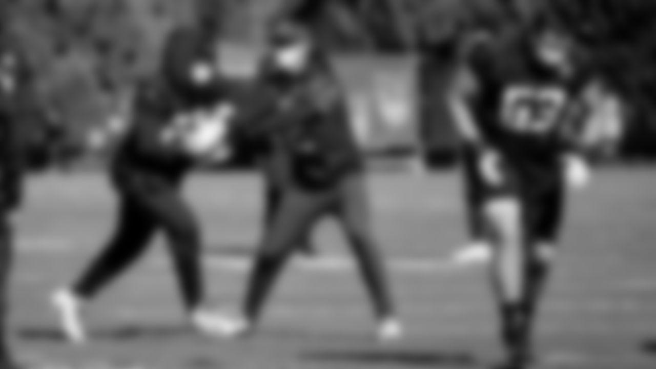 Atlanta Falcons quarterback Matt Ryan #2 warms up with Atlanta Falcons running back Todd Gurley #21 during practice at IBM Performance Field.