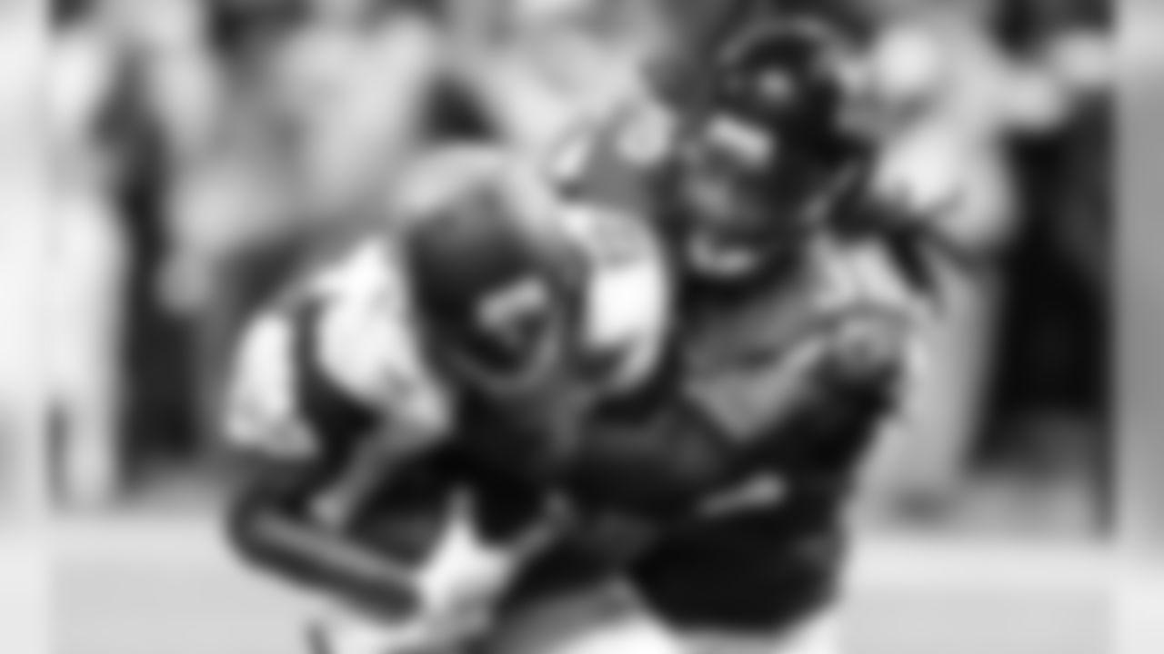 S Kemal Ishmael  Atlanta Falcons / Kara Durrette