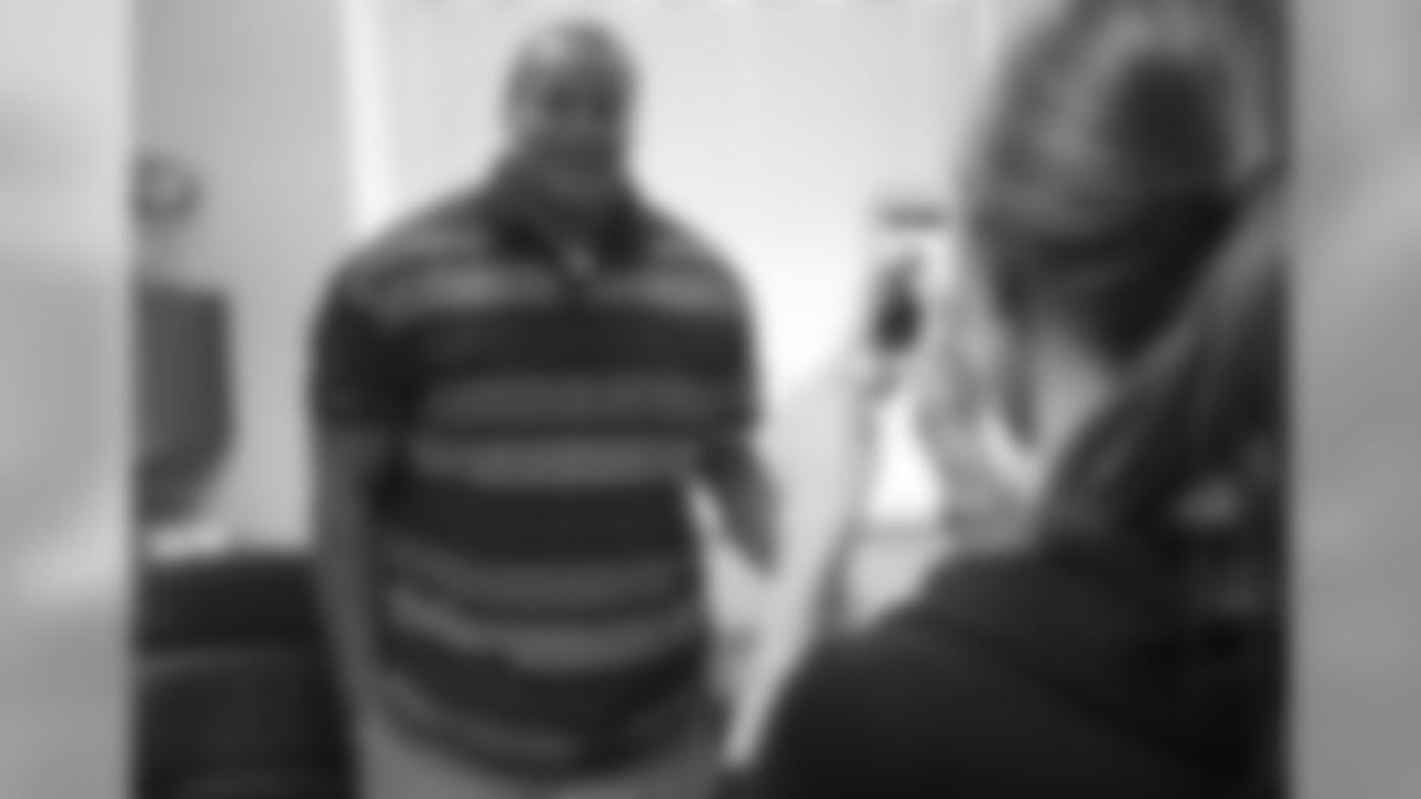 Falcons' social media coordinator Morgan Andrew records a Vine video of G Jon Asamoah