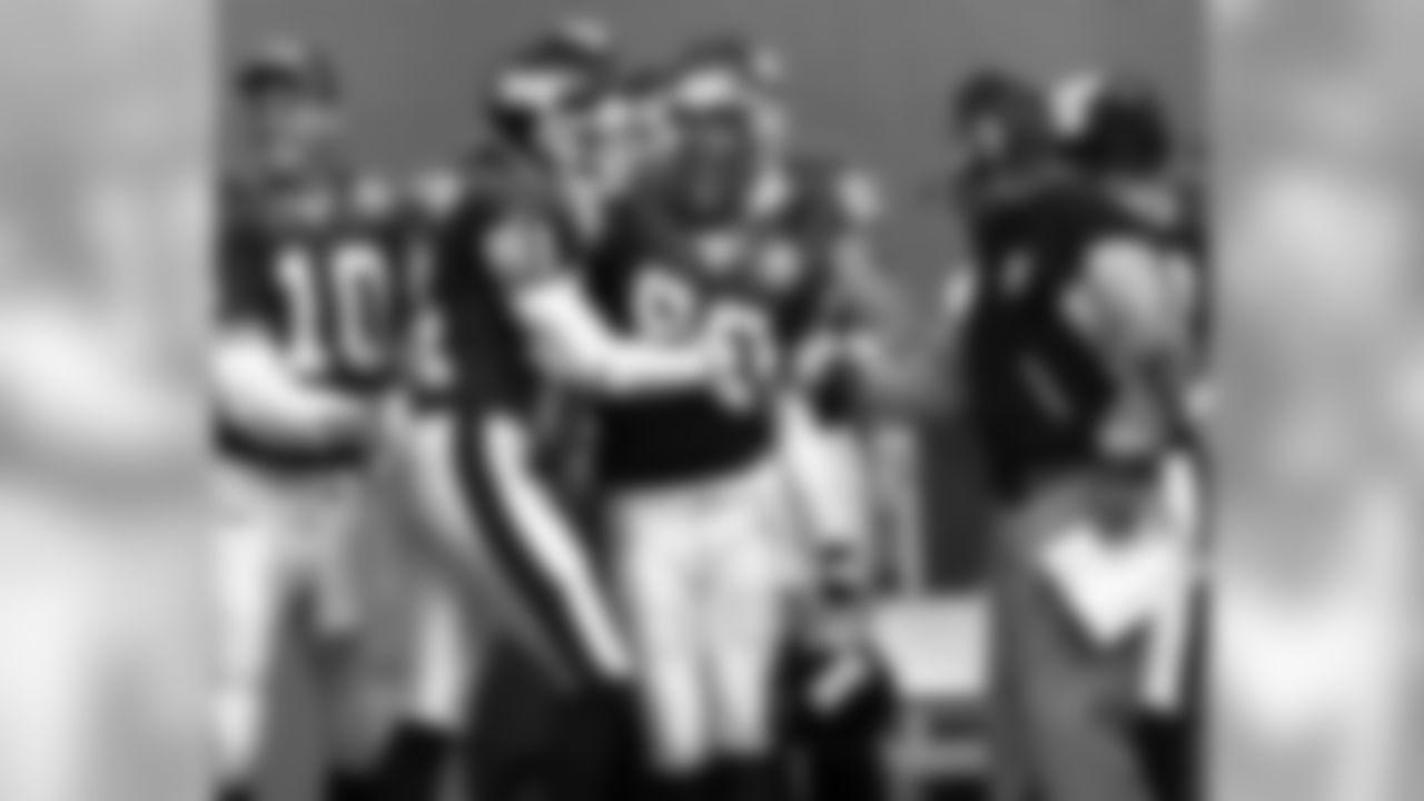 10. New York Giants (1999) -- 232.4 Yds/G