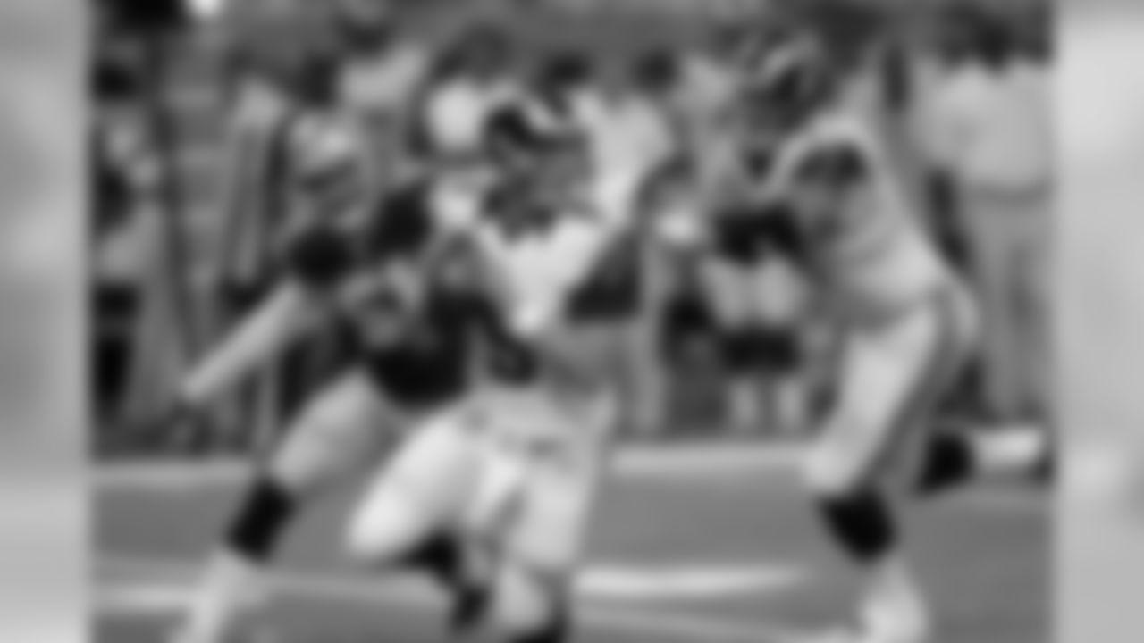 Dallas Cowboys (2-1, 0-0 NFC East)Week 3: W, 34-31 at St. LouisStreak: Won 2