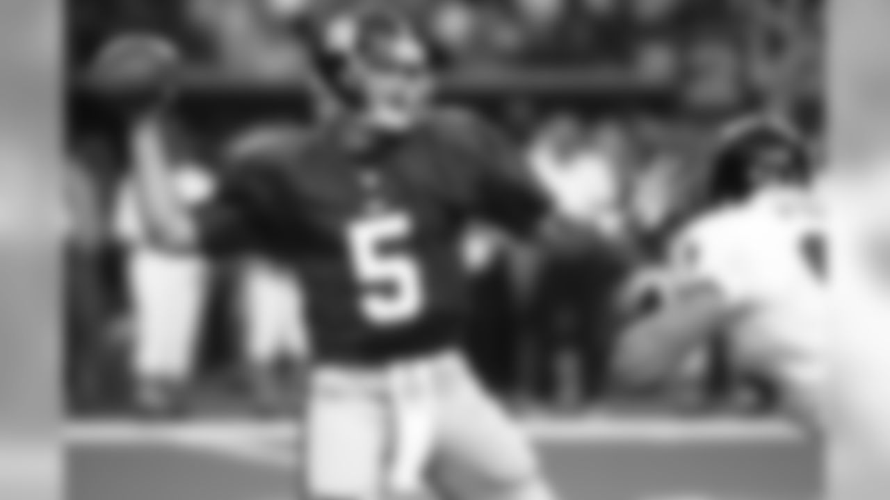 QB Kerry Collins: Signed by the Giants February 19th, 1999