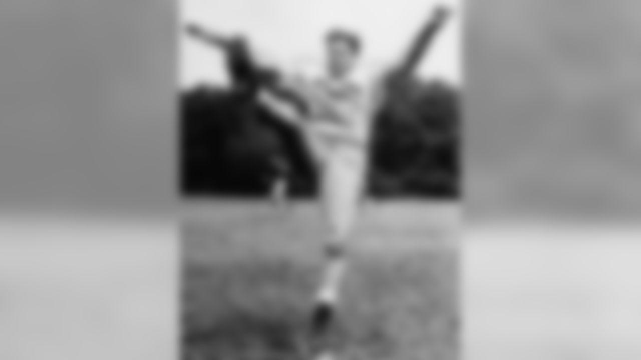 HB Ken Strong 1933-1935, 1939, 1944-1947