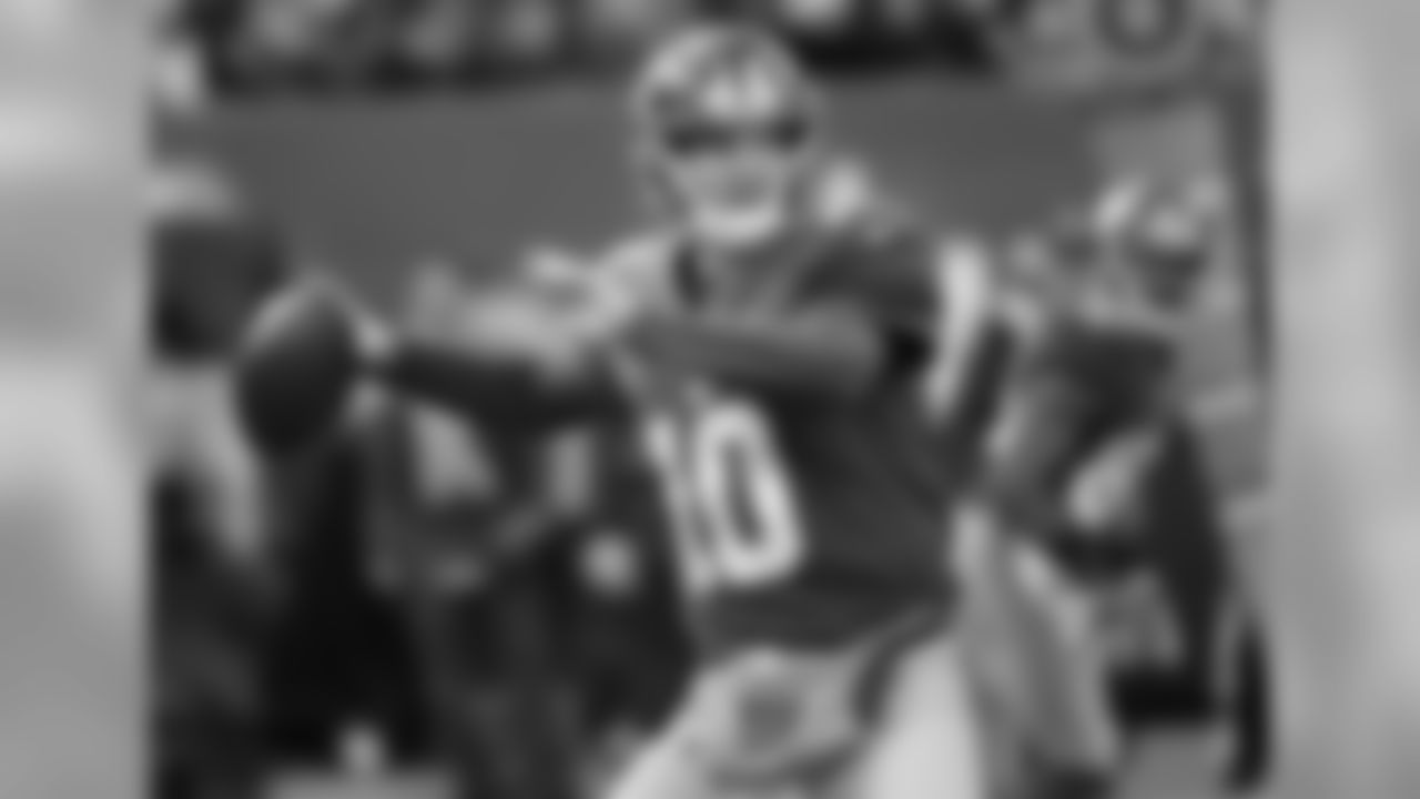 QB Eli ManningManning (258) needs four touchdown passes to surpass QB Dave Krieg (261) for 13th on the NFL's career touchdown passes list. He is also 19 passing yards away from breaking 4,000 yards for the 4th time in his career and nine completions away from setting a career high. His previous high was 359 in 2011. Manning (29) is three touchdown passes away from setting a career high. His previous high was 31 in 2010