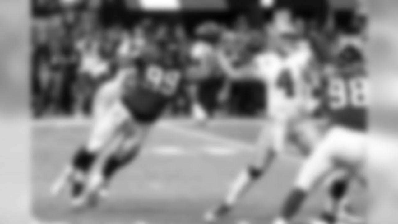 Defensive tackle Adrian Clayborn