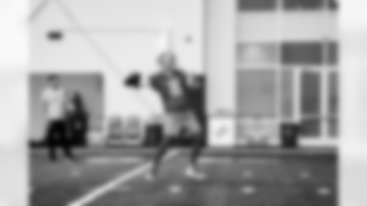 Detroit Lions quarterback Jared Goff (16) during Lions practice at the Training Facility in Allen Park, MI on September 24, 2021. (Jeff Nguyen/Detroit Lions)