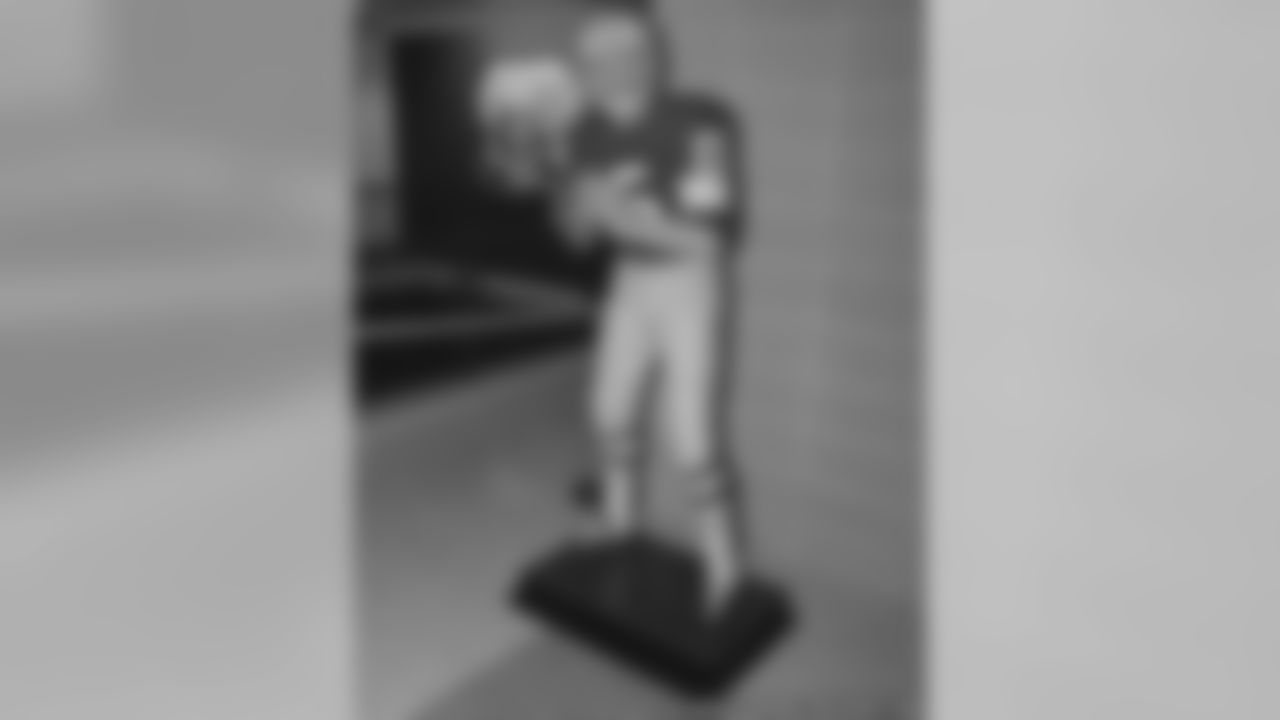 Bart Starr Statue Available For Purchase At Packers Hall Of Fame