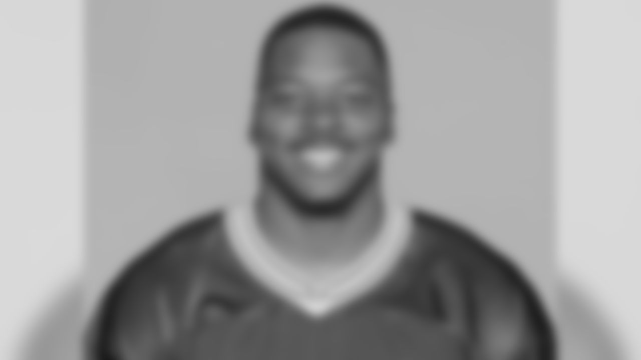 Jayrone Carez Elliott was born in Cleveland, OH. He attended Genville High School where he played DE and earned first-team all-district.