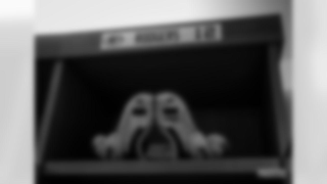 200920-locker-room