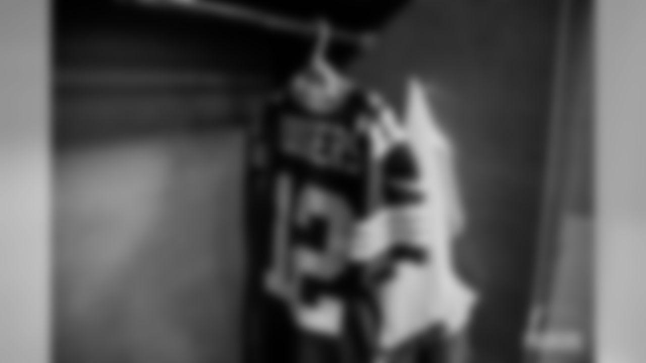 191006-locker-room-dallas-bobber-10
