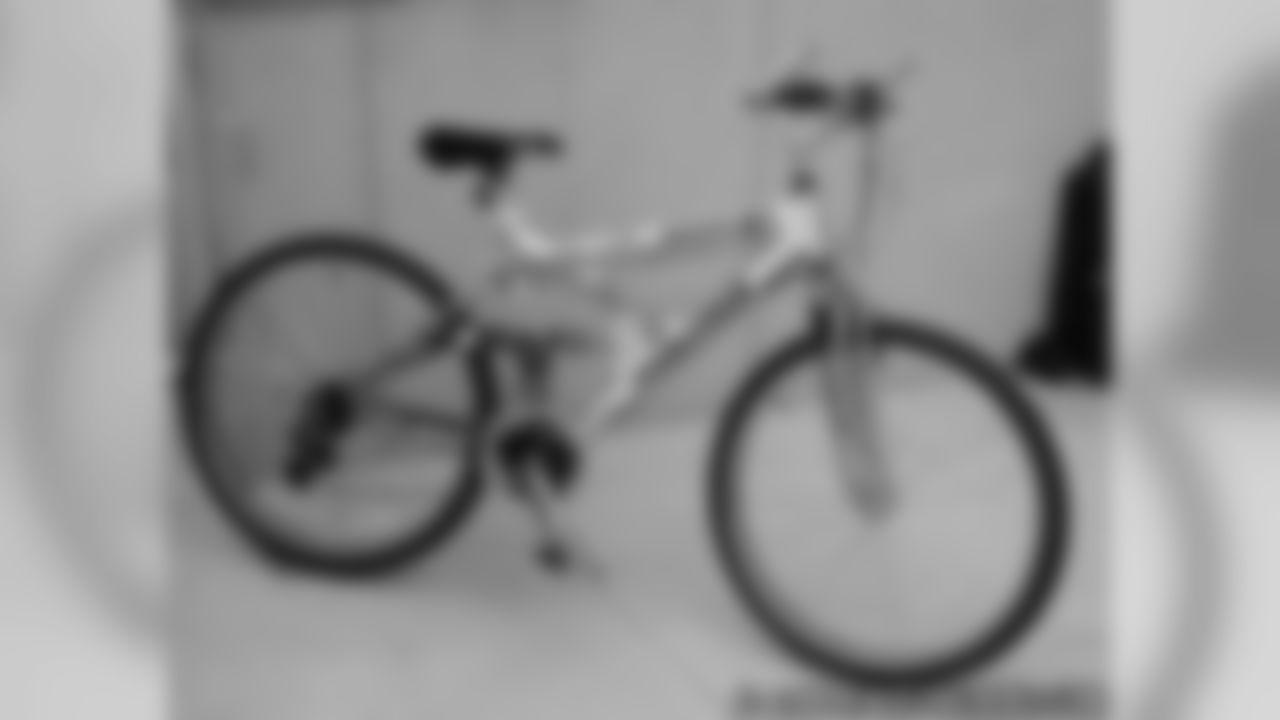 Bubba's Bike Contest Winner Meets Bubba Franks