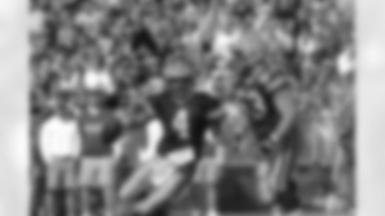 QB Brett Favre (1992-2007)