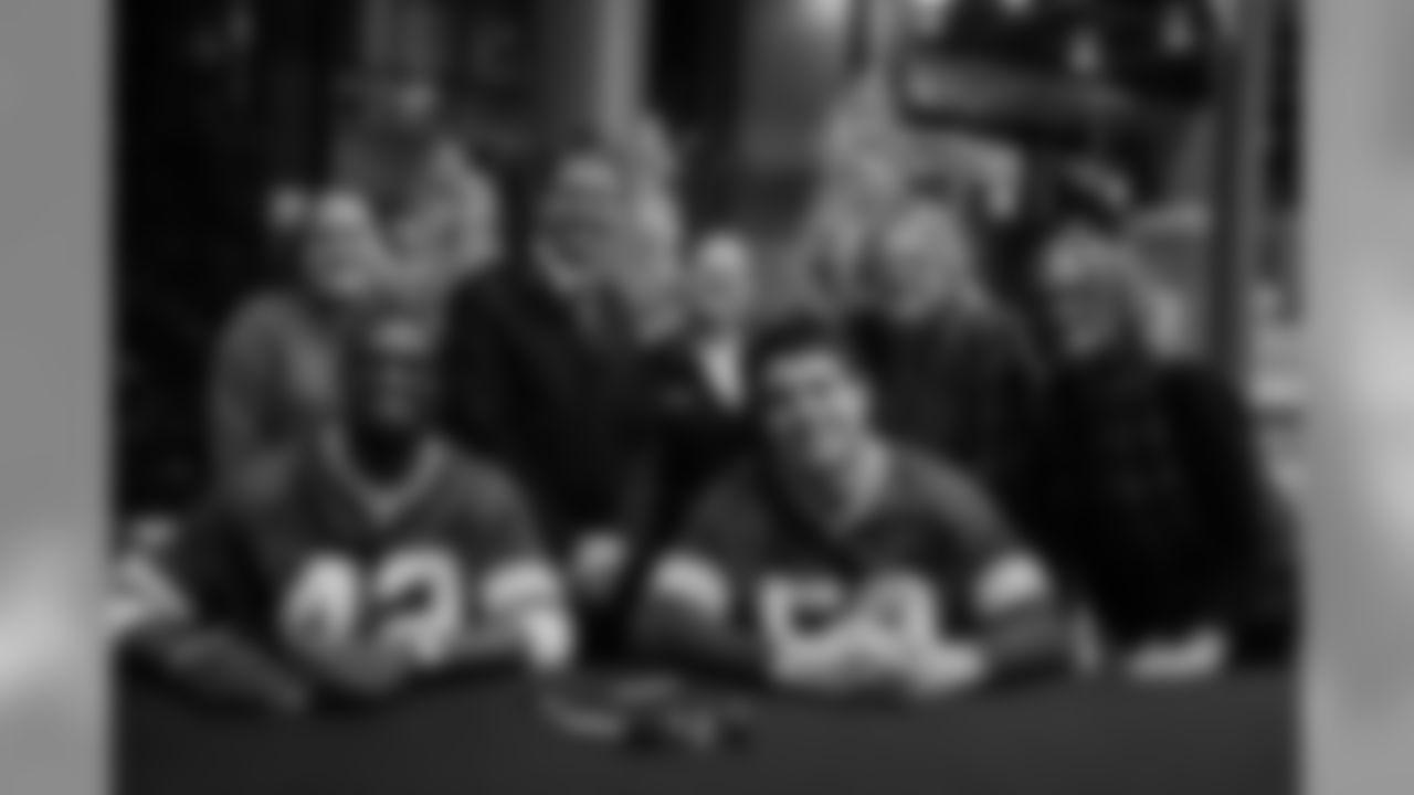 181127-martinez-burks-autographs-15