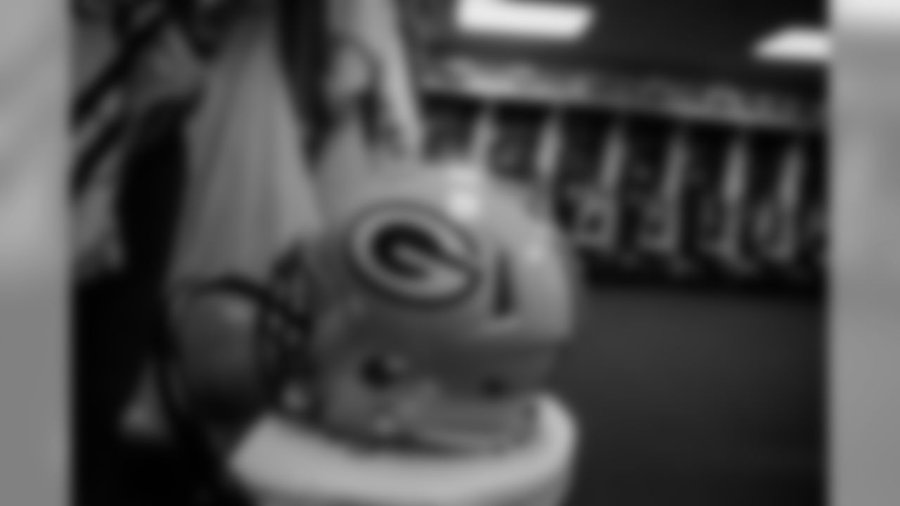 180830-packers-locker-room-KC-bobber-21