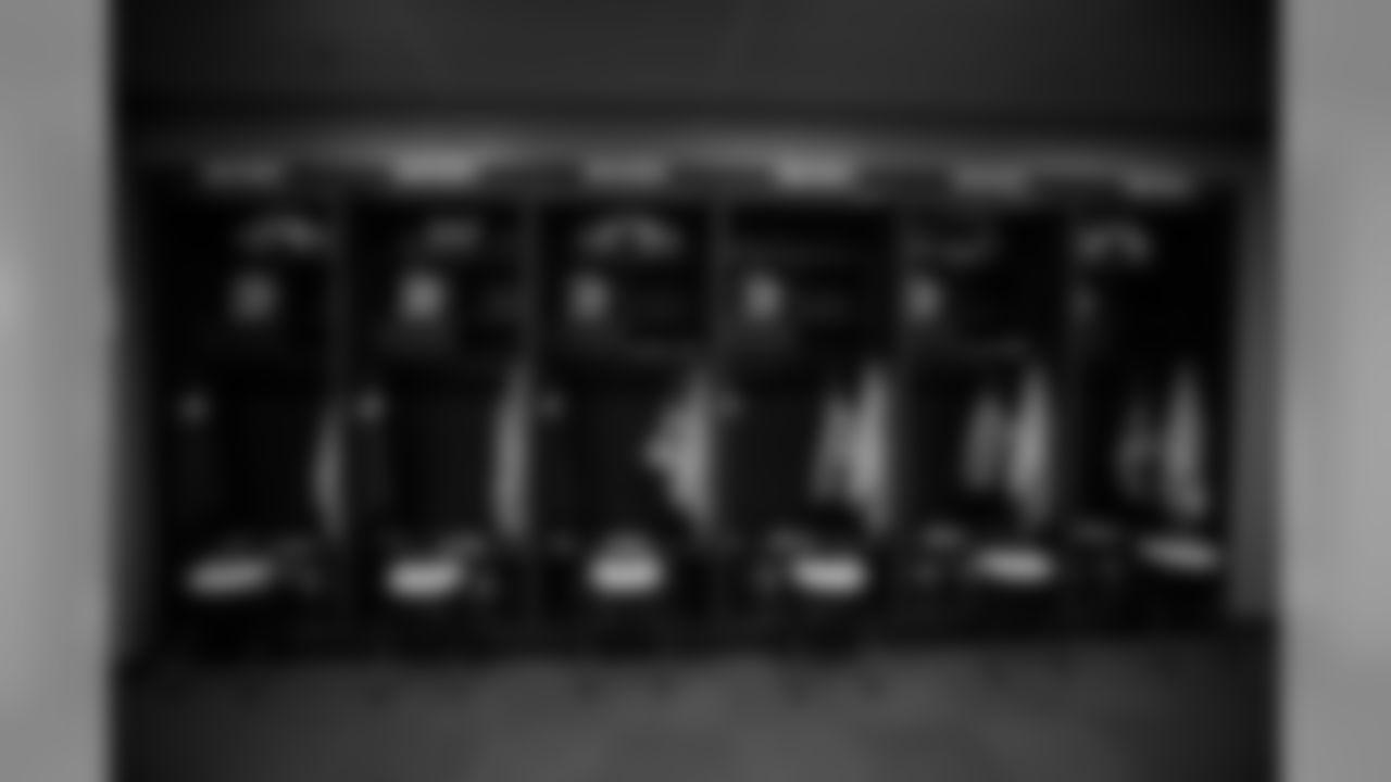 180923-locker-room-fedexfield-bobber-17