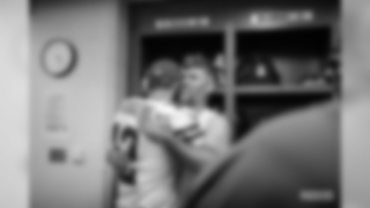191230-locker-room-pass-lions-6