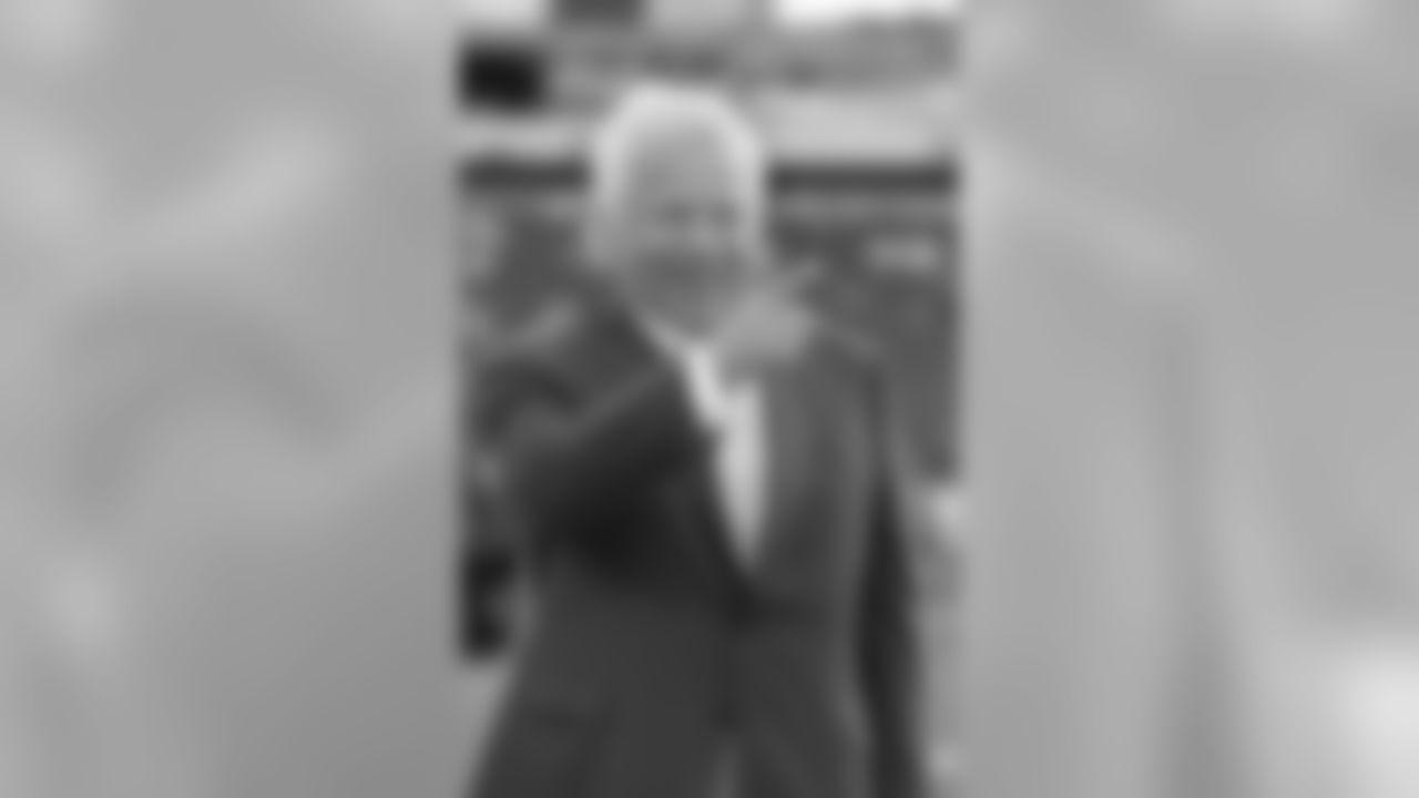 Patriots Chairman and CEO Robert Kraft