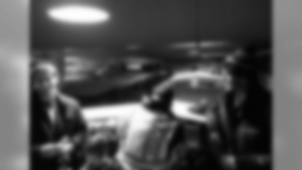 temp20150204-brady-garoppolo.jpg