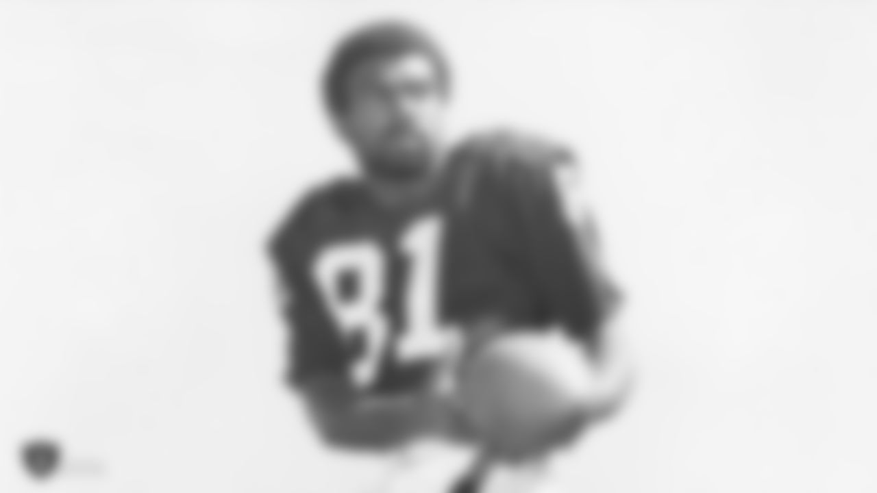 Warren Wells was a wide receiver for the Raiders from 1967 to 1970 and had 42 starts, catching 156 passes for 3,634 yards and 42 touchdowns.