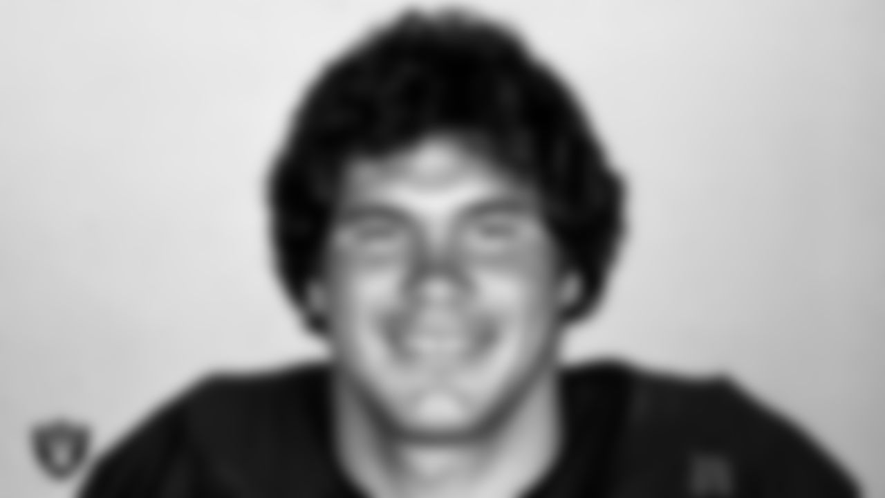 Jim Plunkett joined the Raiders in 1978 as a backup to Kenny Stabler. Plunkett got his chance to start in 1980 and went on to be named Super Bowl XV MVP and also led the Raiders to the Super Bowl XVIII title. Plunkett played in 70 regular-season games with 57 starts and completed 960 of 1,707 pass attempts for 12,665 yards and 80 TDs.