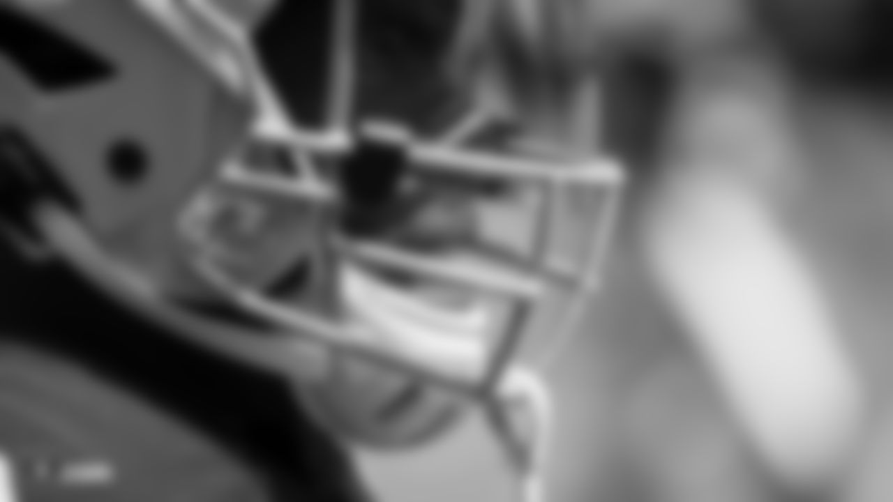 Running back Jalen Richard (30) before the Raiders regular season game against the Kansas City Chiefs.