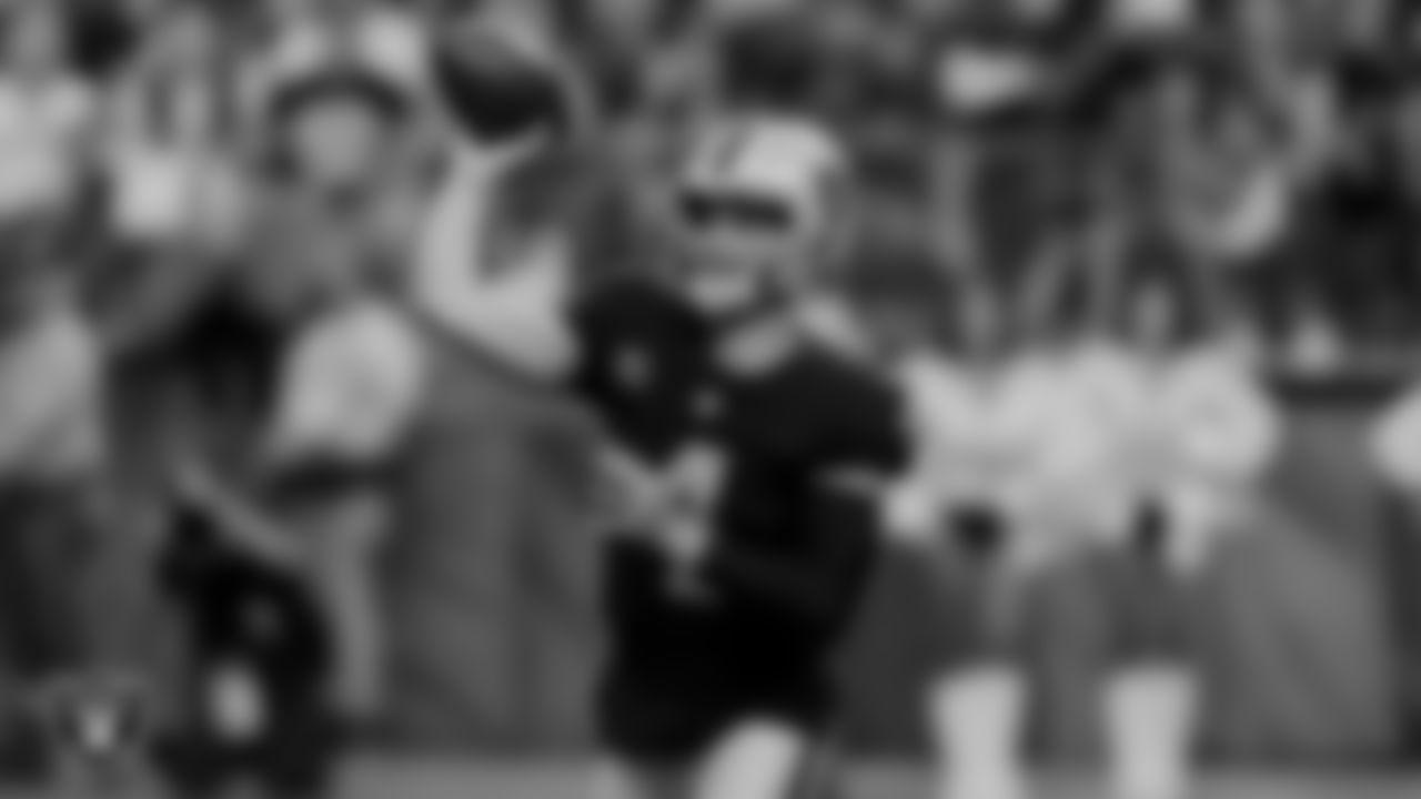 Las Vegas Raiders quarterback Derek Carr (4) during the regular season game against the Baltimore Ravens at Allegiant Stadium.