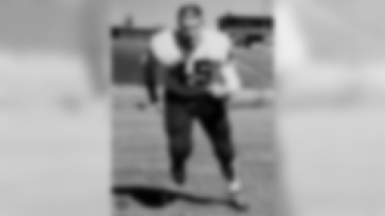 DB Jim McMillin (1963-64)  McMillin joined the Raiders after two years with the Broncos and played in 15 games. McMillin intercepted 4 passes for 62 yards and 1 TD. He was re-acquired by the Broncos during the 1964 season.
